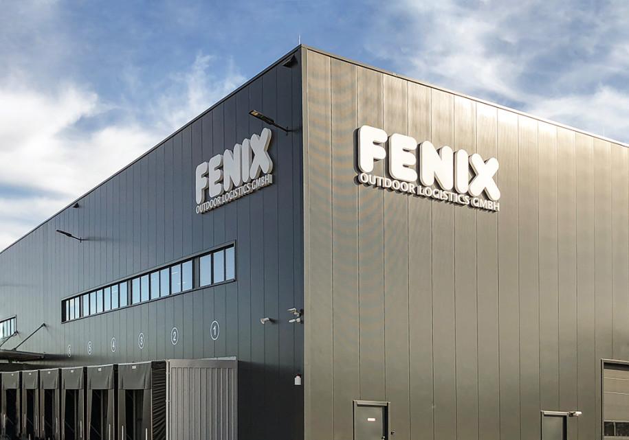 7d306e91e05bcd In Ludwigslust hat Globetrotter-Mutter Fenix auf zunächst 10.000  Quadratmeter ein Logistikzentrum errichtet. Von dort wird der Versand auch  für die Marken ...