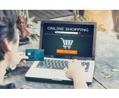 Kunde beim Online-Einkauf