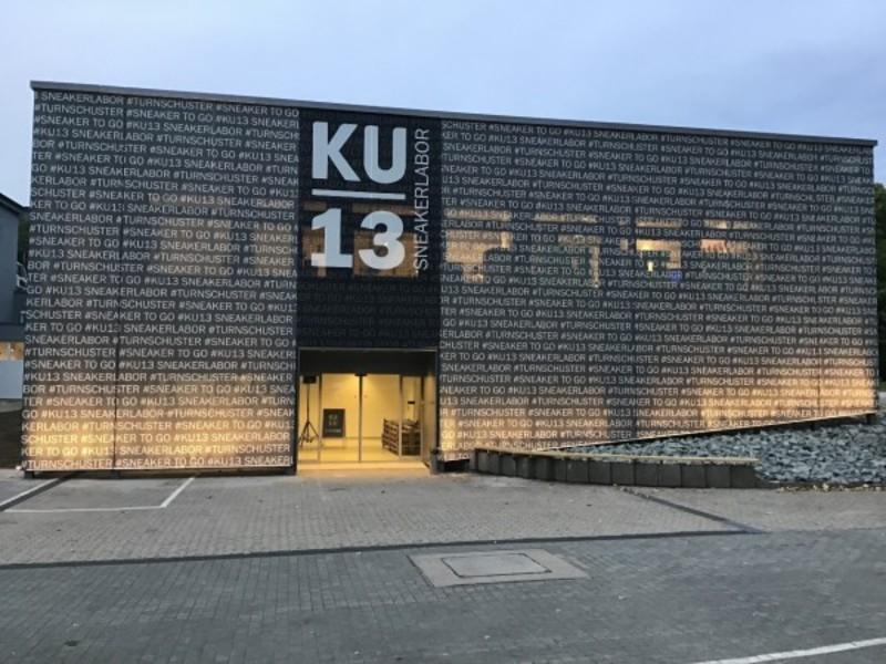 Schuh und Sport Mücke eröffnet das KU13 Sneakerlabor